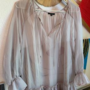 Ruffle kjole fra Floryday   Fitter S/M  Som ny
