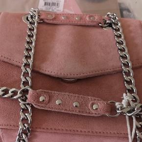 Helt ny Nunoo Josephine taske i original emballage og en ikke i original emballage sælges