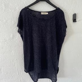 Isay t-shirt