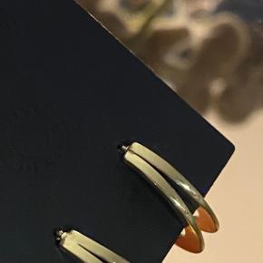 Pilgrim øreringe, aldrig brugt, stilfulde og elegante.