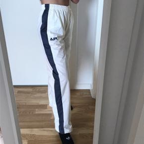 fila bukser  Str s  Fejler intet   Mp 250kr
