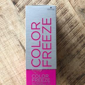 Plomberet emballage - til farvet hår. 250 ml. Shampoo 200 ml. Conditioner