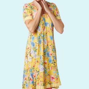 Skøn gul kjole i bedste Du Milde stil. Fin stand.  Bytter ikke.  Se også alle mine andre kjole annoncer 🌼