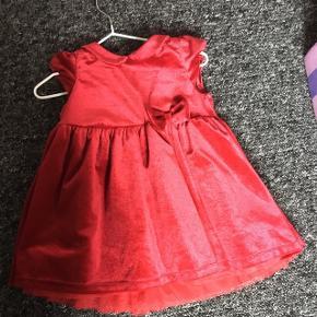Sød velour kjole. Brugt 3 gange. Fejler intet