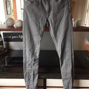 Rigtig lækre jeans med lidt strech str 24/32