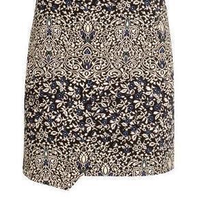 Kort nederdel fra H&M.  Str. 36. ALDRIG BRUGT!