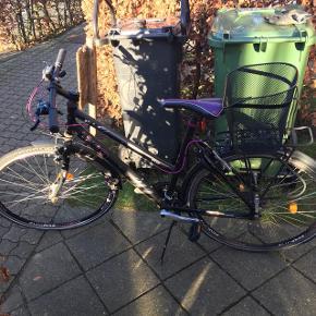 SCO dame cykel, kablet til bagbremsen skal skiftes og der skal ny lås på.