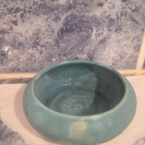 Skål i ler med smuk glasering, kan bruges som nøgleskål fx.