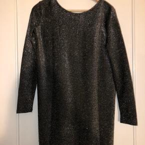 Sølv glitter kjole, ideel til nytår eller en anden festliglejlighed