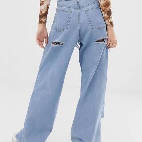 Baggy højtaljede hullede jeans Brugt en enkel gang