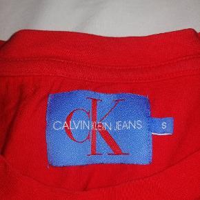 Fed t-shirt Calving Klein rød