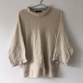 Beige sweater fra Mango i str. S/36-38