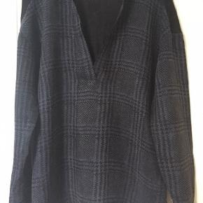 Tunika, bluse med lange ærmer. passer str 36, S