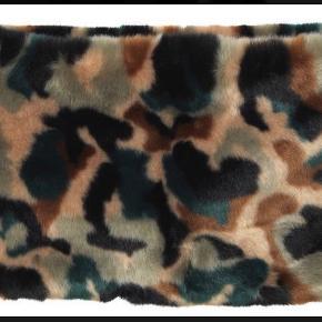 MB - Halsedisse i blødt fake fur. Aldrig brugt, stadig tags på. Bytter ikke - ny pris 1399 kr