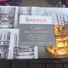 2 stk nye glas i kassen. 50.-