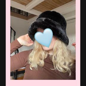 One Vintage hat & hue