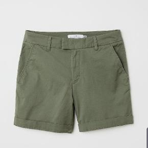 Super fine shorts, der aldrig er blevet brugt. Jeg sælger de farver der er på billederne. :-) sender gerne på købers regning.   Prisen er 150kr, samlet. Dvs. at du får 3 shorts for 150kr :-) ellers 60kr stk.