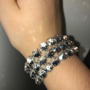 Sølv nitter armbånd