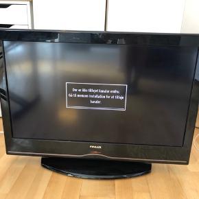 Sælger mit tv, da jeg ikke bruger det og derfor står det bare og samler støv. Mærket er Finlux, og der står bag på : 32FLYR850HU. Fjernbetjen medfølger selfølgelig.  Kvit og kasser medfølger ikke, da det blev smidt ud da jeg flyttede.  Afhentes på min adresse 8000 Aarhus C.