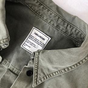 FEDESTE SKJORTE/JAKKE 🌷💓👅💘🤛🏼💜🎨🧁🍭  BYD sælger min højtelskede Zadig & Voltaire skjorte/jakke da den desværre er blevet for lille til mig... Er købt for et halvt år siden og fejler intet! Skriv for spørgsmål eller andet.