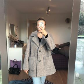 Sælger denne fine jakke fra Zara :))  Byd gerne