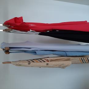 Kjoler sælges til 50 kr per styk. Størrelse xs-s.