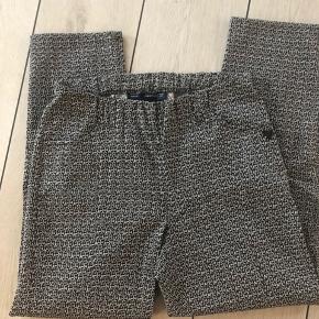Mega lækre bukser med skøn pasform  Aldrig brugt