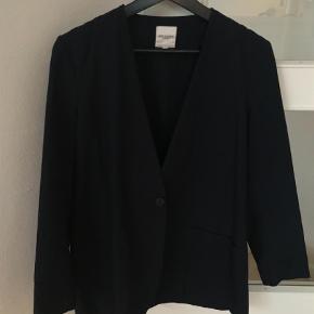 Varetype: Blazer Farve: Blå Oprindelig købspris: 600 kr.
