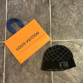 Louis Vuitton hue & hat