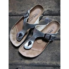 Sølv sandaler  Købt i Italien
