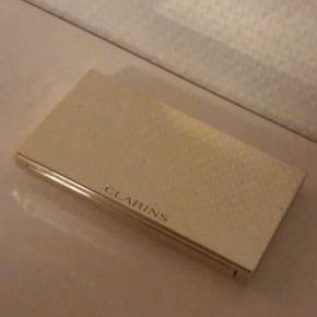 Sælger denne flotte øjenskyggepalette fra Clarins. BYD