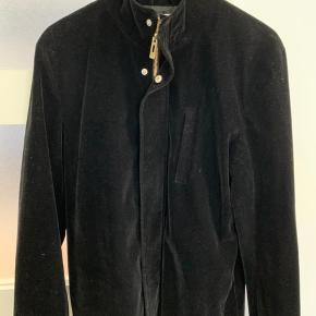 Frakke fra Han Kjøbenhavn  Velour og lækker kvalitet Aldrig brugt Nypris 4500
