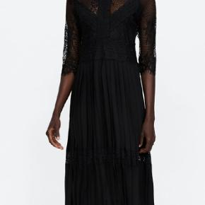 Zara Combined Pleated + Lace Dress str.M Brugt 2 gang