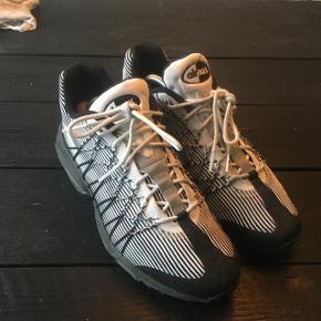 Nike Air max str. 44.5. God stand, velholdte med skotræ. Reflekser ved snørebåndene