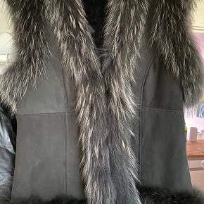 Style Butler vest