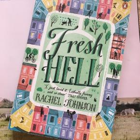 Fresh Hell af Rachel Johnson i paperback. Aldrig brugt, da jeg fik to eksemplarer i gave. De forreste sider har lidt brugsspor efter at have ligget Sammen med nogle andre ting. Denne bog findes ikke på danske biblioteker , men de to første i serien kan lånes gennem bibliotek.dk og kan varmt anbefales. Lidt om bogen:  I ADORED it. It's the most fun I've had with a book in a long time, and I love how she writes - so many dazzling sentences and phrases.' - Marian Keyes  Debt, double-basements, dastardly bankers...and DIVORCE? 'Hell is other people' and journalist Mimi Fleming is fast realizing on her return to Notting Hill that there is no greater hell than the W11 neighbours with whom she shares an exclusive communal garden. Since she's been away, all her friends have become - impossibly - even richer, thinner, and YOUNGER. They're busy not just turning back the clock but also their homes into palatial iceberg houses - with basement swimming pools. But Mimi's troubles are just beginning. There's the compromising and risky mission she'd undertaking to re-launch her so-called journalism career (plus an embarrassing case of mistaken identity thanks to Google). Then there's her children who will only communicate via WhatsApp . And worst of all, Mimi's fallen for someone, and it's certainly not her husband Ralph. Ralph and Mimi have already been to Notting Hell and back. But is this the end or the beginning of something new?  Søgeord: bog engelsk chick lit romantic novel romantik notting Hill London book english