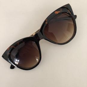 Pieces solbriller. Nærmest ikke brugt.