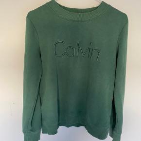 Grøn sweater fra calvin Klein  Fitter small (lille medium)  bYd💗