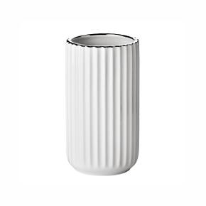 Lyngby vase 15 cm.  Hvid med sølvkant Har aldrig været brugt, stadig i kassen