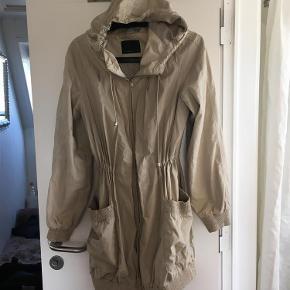 Varetype: Fin jakke Farve: Se billede Oprindelig købspris: 450 kr.