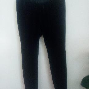fe2b44a5aff Junarose velour leggings Super bløde og behagelige Har ialt 2 stk, stkpris  40 kr