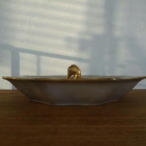 Bing og grøndahl vintage fad . Lilla blomster og guld søhest og guldkanter. Fint til kager, frugt, chokolade mm