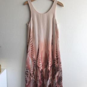 Maxi Farve: Nude, Pudder, Rosa