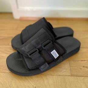 Sandaler fra Sui Coke. Næsten som ny