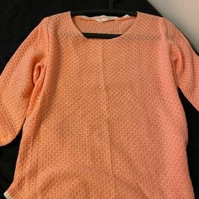 Lefties sweater