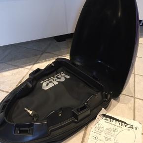 Motorcykel taske/boks -  Give speed pack  Har aldrig været brugt, så standen er som ny.