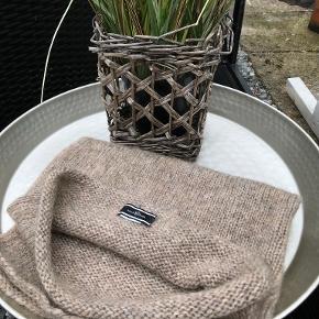 By Malene Birger tørklæde