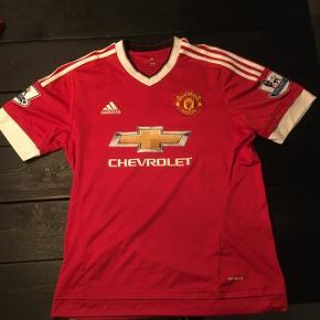 Manchester United trøje med Memphis Depay og Premier League logo på ærmer. Perfekt stand