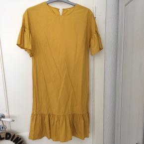Kjole fra mango :) xs/s. Brugt en aften.