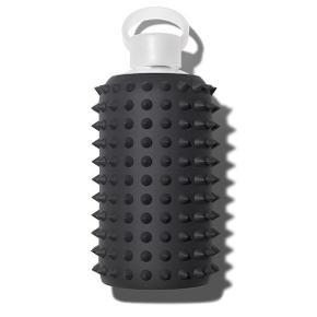 BKR Spiked Jet silikone til 500ml vandflaske.  Jeg har desværre været så uheldig at smadre min BKR vandflaske. Er der nogle som kunne være interesseret i at købe silikonen til str 500ml?